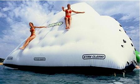 Inflatable Iceberg doesn't hurt Titanic