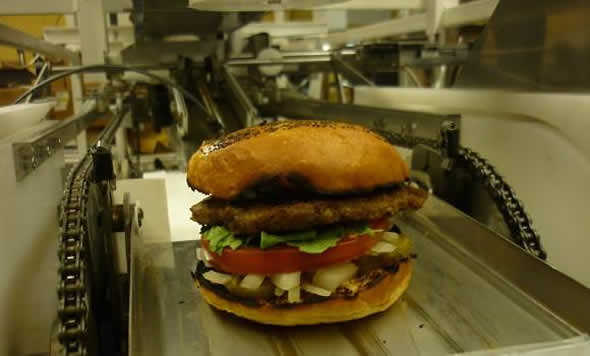 robot-serves-hamburgers