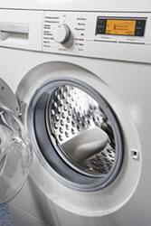 Siemens WM16S740 washing machine takes on all stains