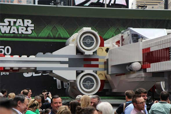 lego-x-wing-fighter-3