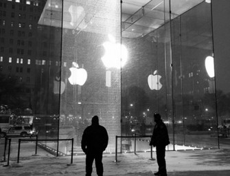 Fifth Avenue Apple Store's $450,000 window shattered like an iPhone by a snow blower