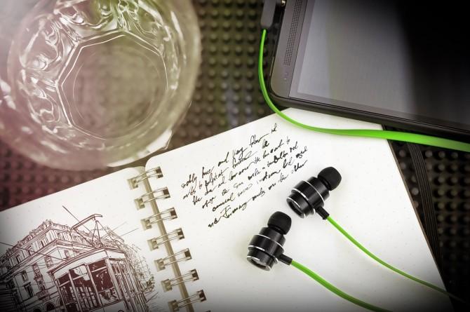 razer-adaro-series-headphones-1