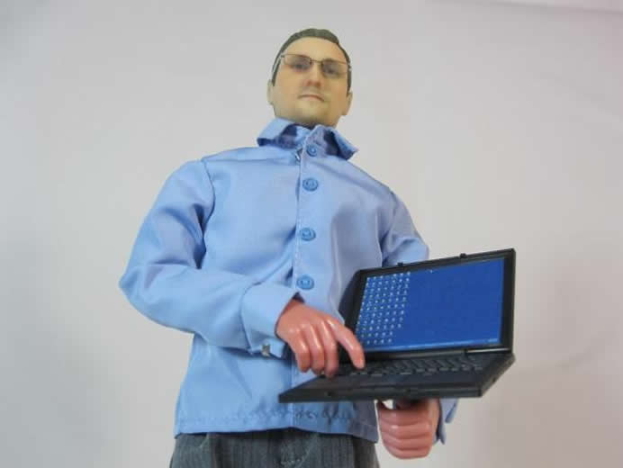 edward-snowden-action-figure-1