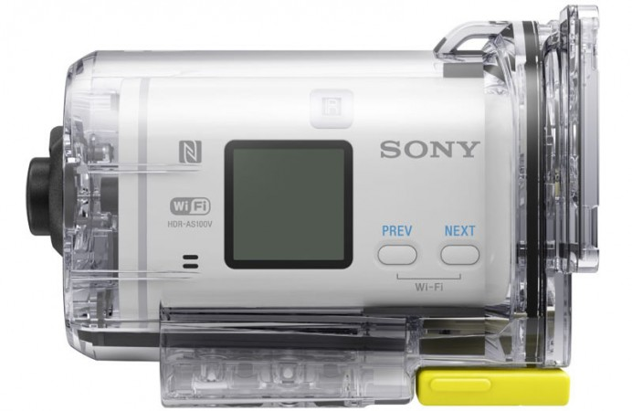 sony-hdr-as100v-action-camera-7