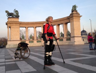 3D printed Ekso-Suit, the tech-packed exoskeleton helps paralyzed folk walk again