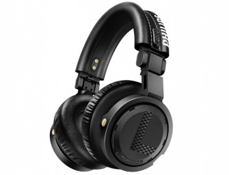 Armin van Buuren and Philips unveil the ear-happy A5-PRO professional DJ Headphones