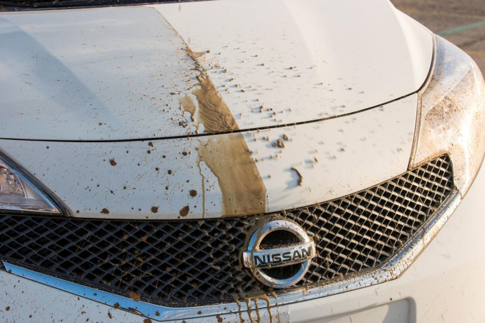 nissan-self-cleaning-car-paint-3