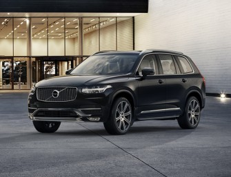 Volvo unveils the plush and well intended XC90 SUV with an optional green motor!
