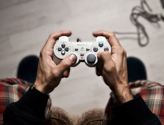 "Javier Laspiur's ""Controllers"" photo series brings to life the evolution of video games"