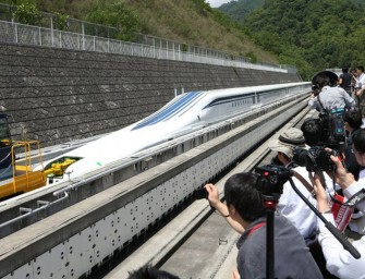 Here's what it feels to travel at 500 kmph in Japan's maglev train