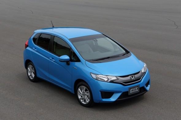 new-honda-fit-hybrid-3