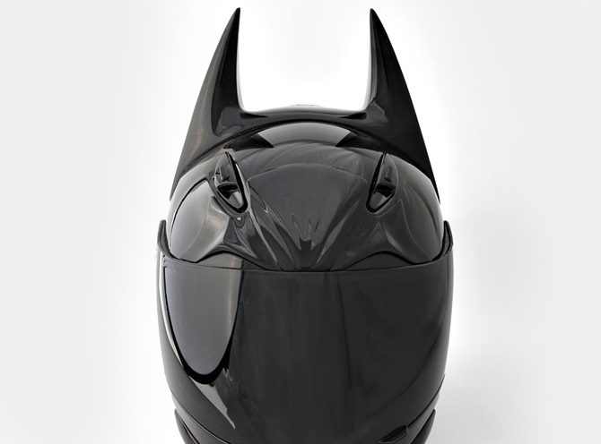 batman-motorcycle-helmet-2