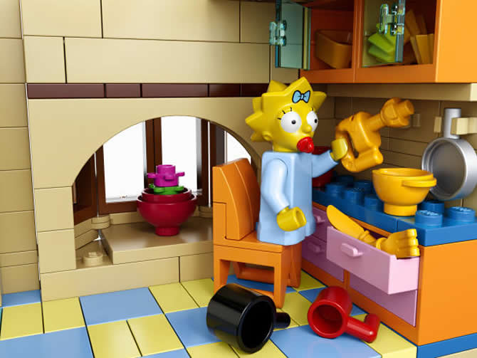 lego-simpsons-house-kit-7