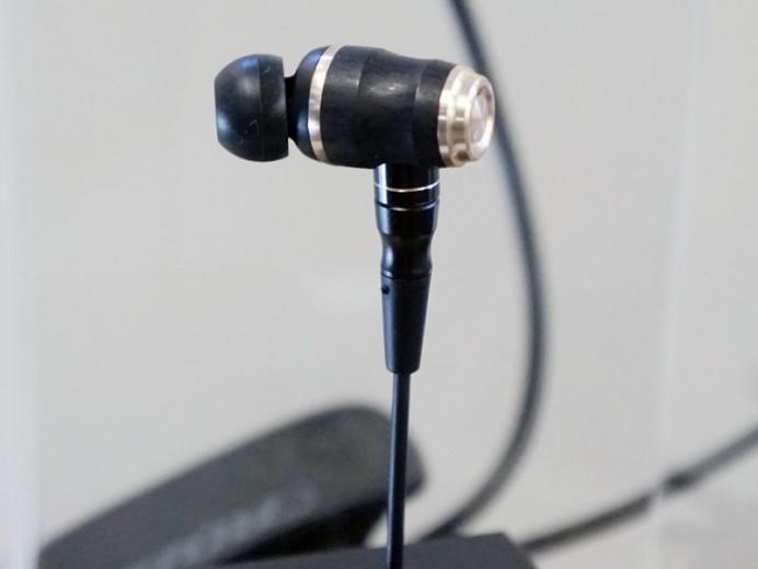 jvc-kenwood-fx1100-earphones-2