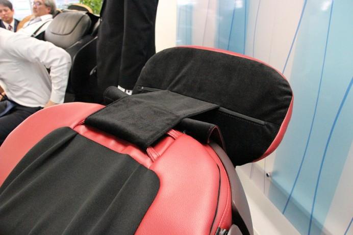 cyber-relaxing-massage-chair-6