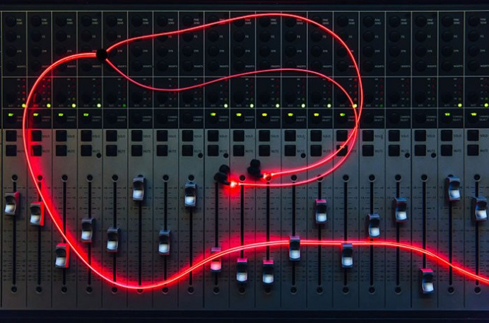 glow-headphones-2